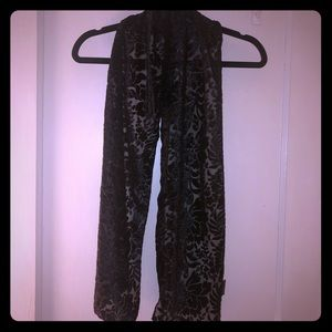 2 FOR $15 • BLACK VELOUR FLORAL PRINTED SCARF